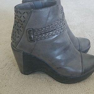 Vegan Jambu designs jbu wedge booties ankle boots